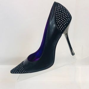 GUESS Leather Pointed Toe Heels Pumps Beaded 7 M